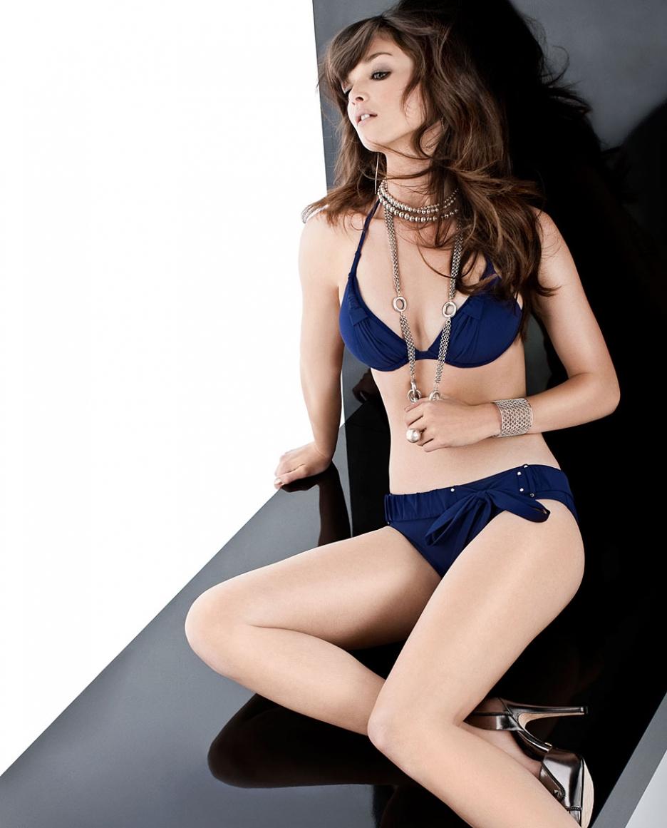 Charlotte Le Bon en bikini