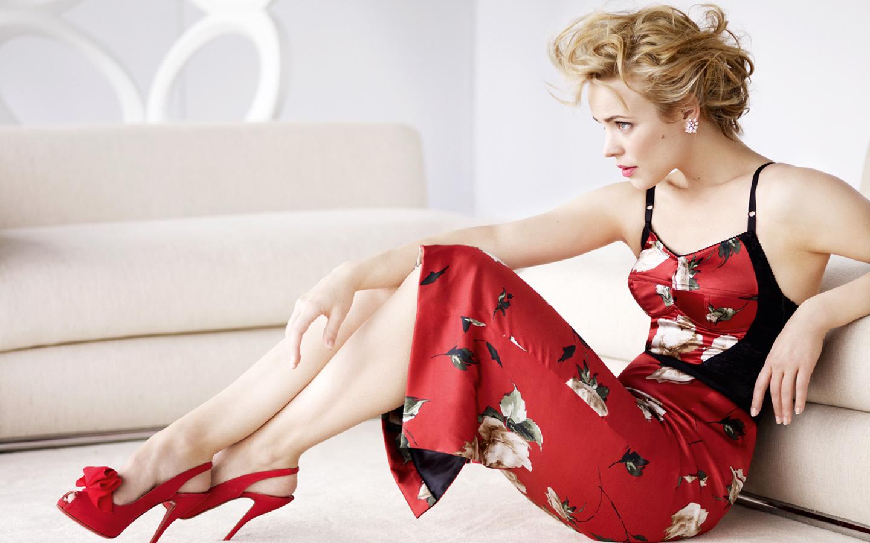Rachel McAdams en robe moulante