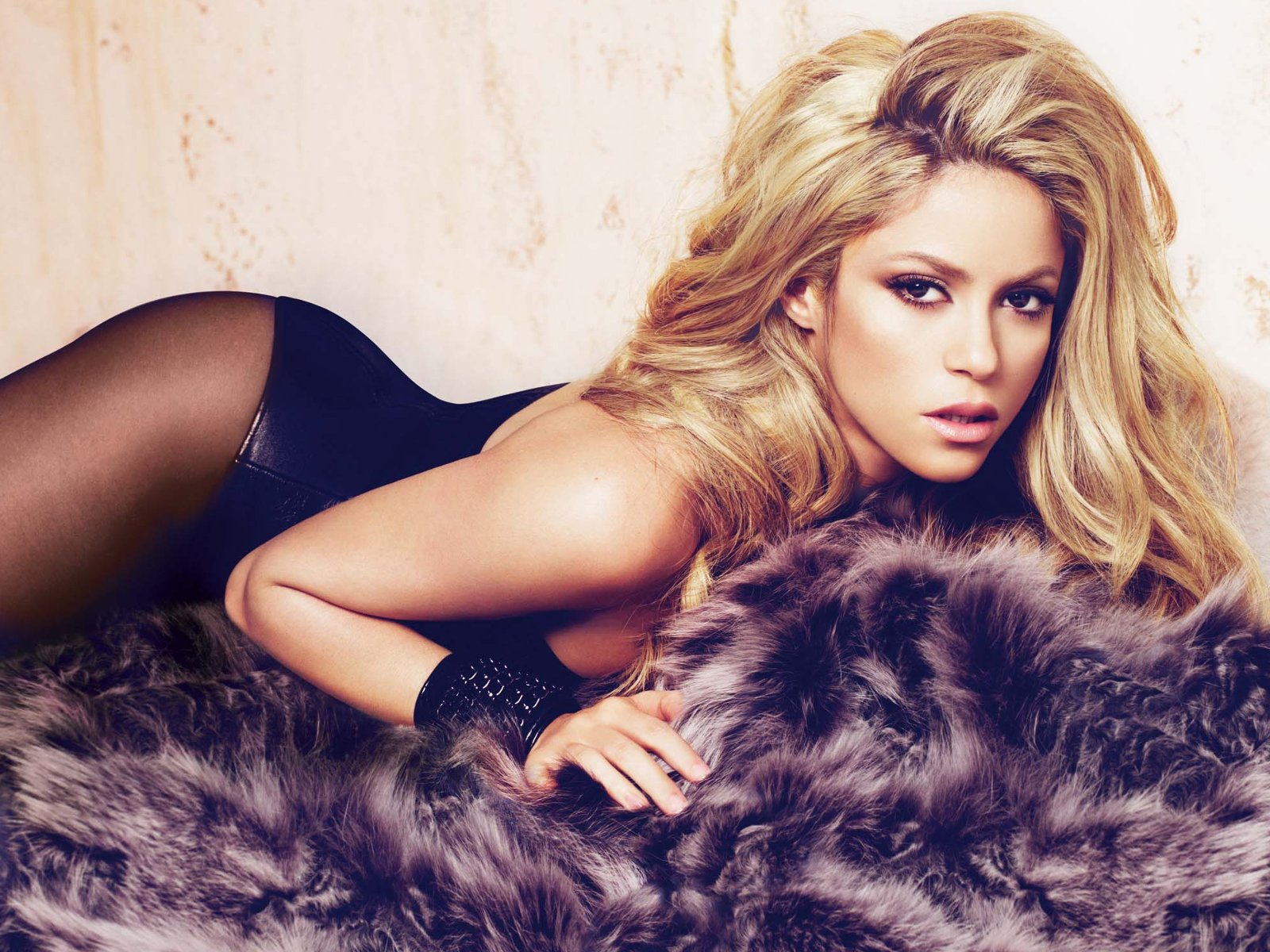 Shakira en corset et collants