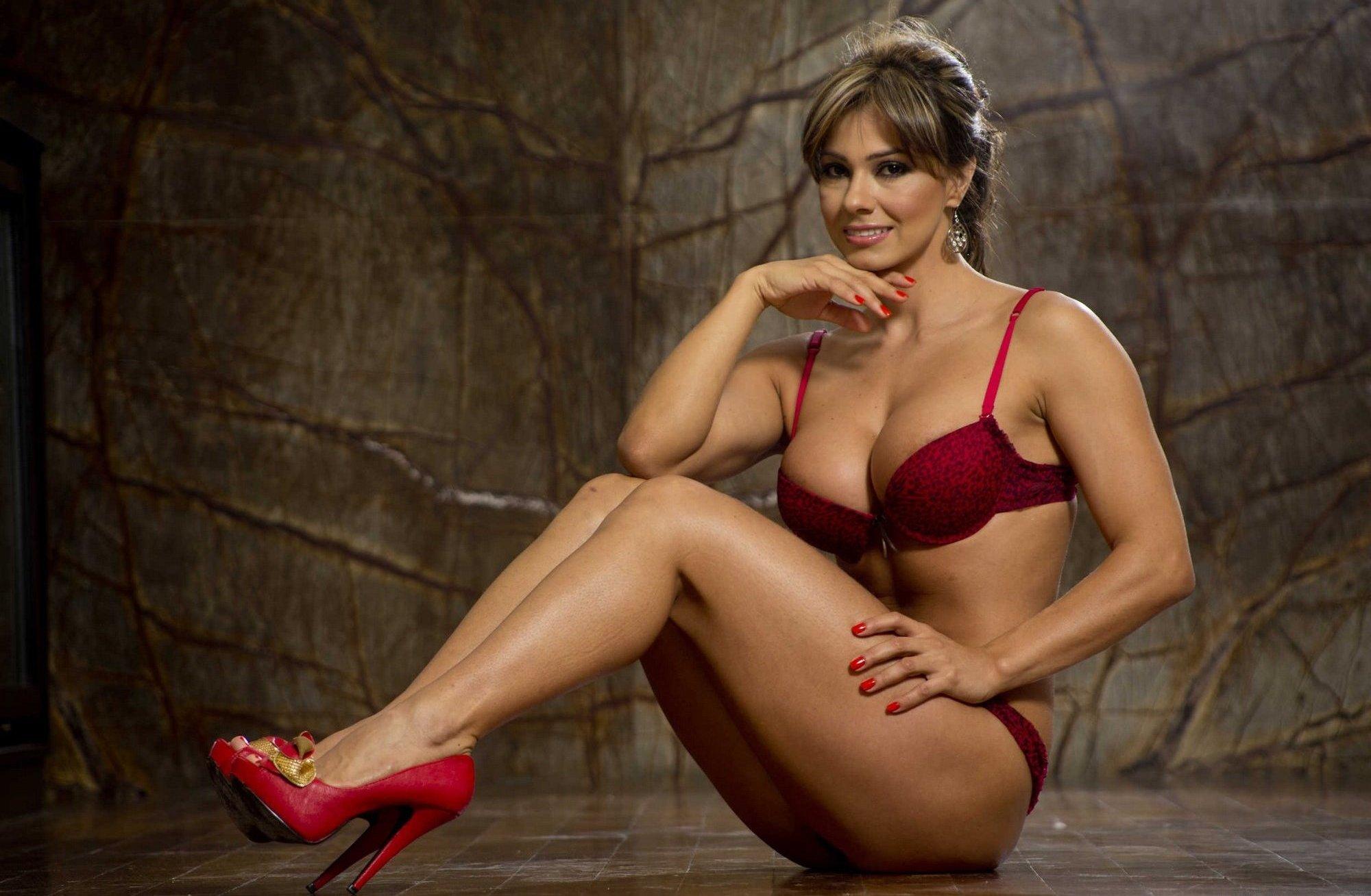 Esperanza Gomez en lingerie