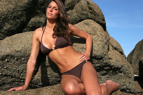 Laury Thilleman en bikini