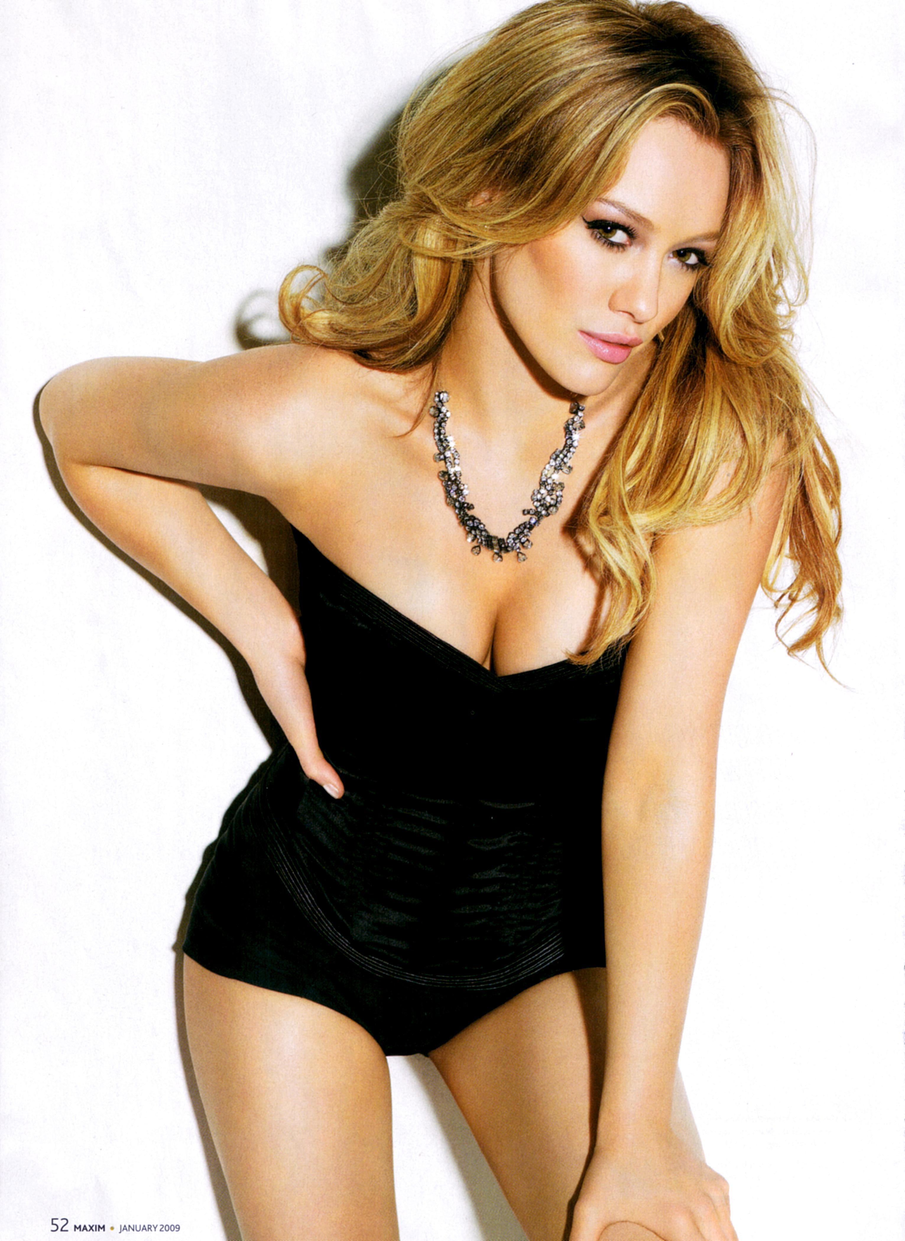 Hilary Duff en maillot de bain décolleté