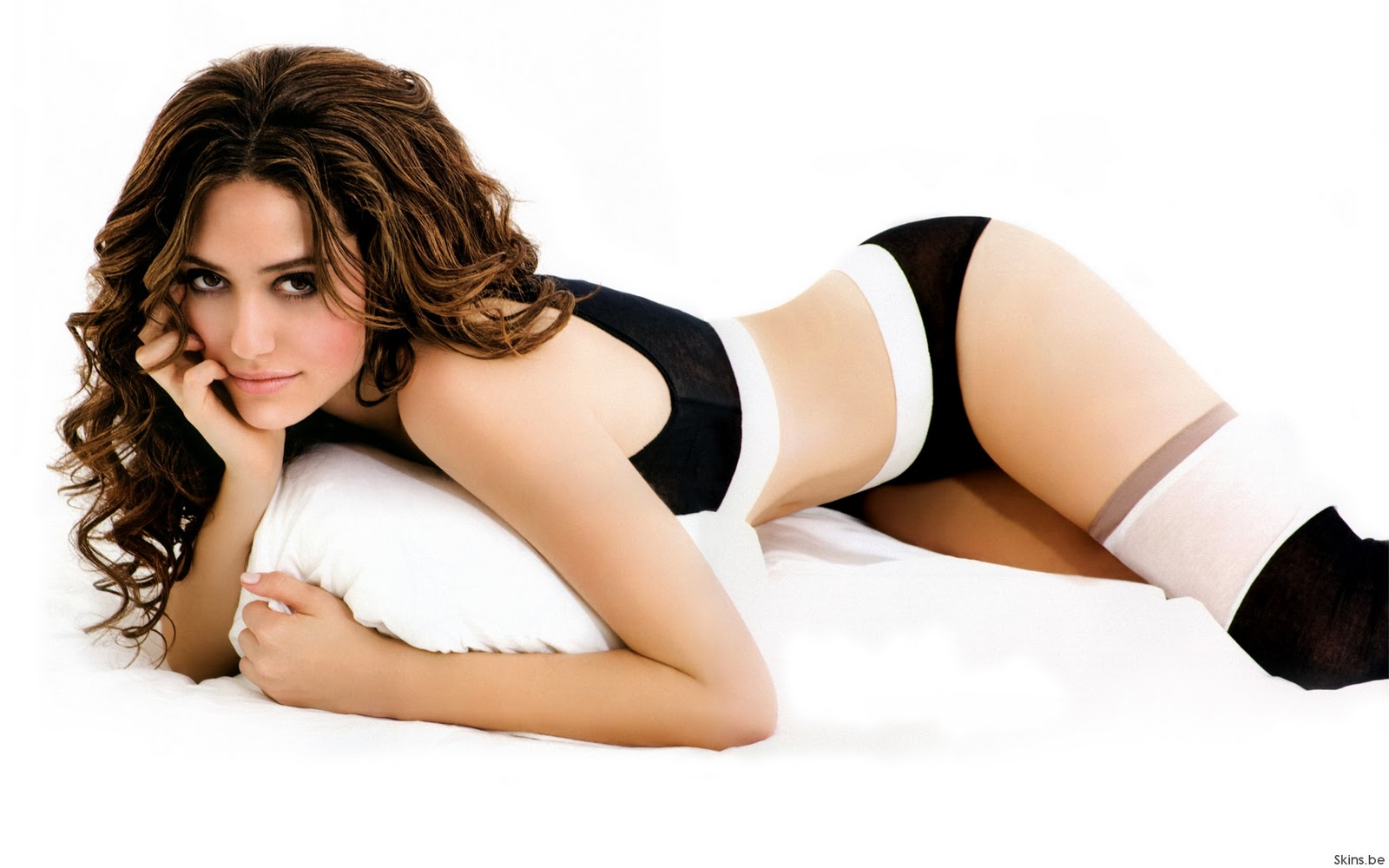 Emmy Rossum en lingerie