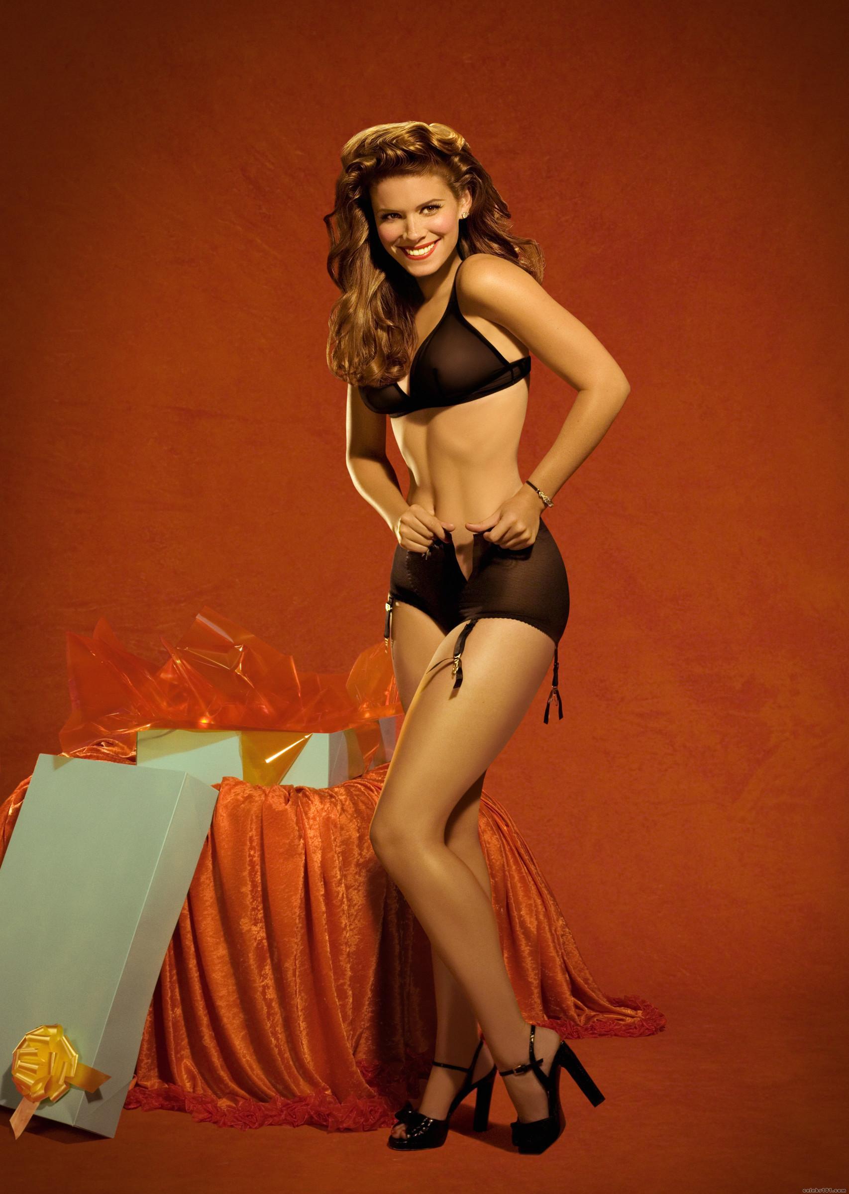 Kate Mara en lingerie rétro