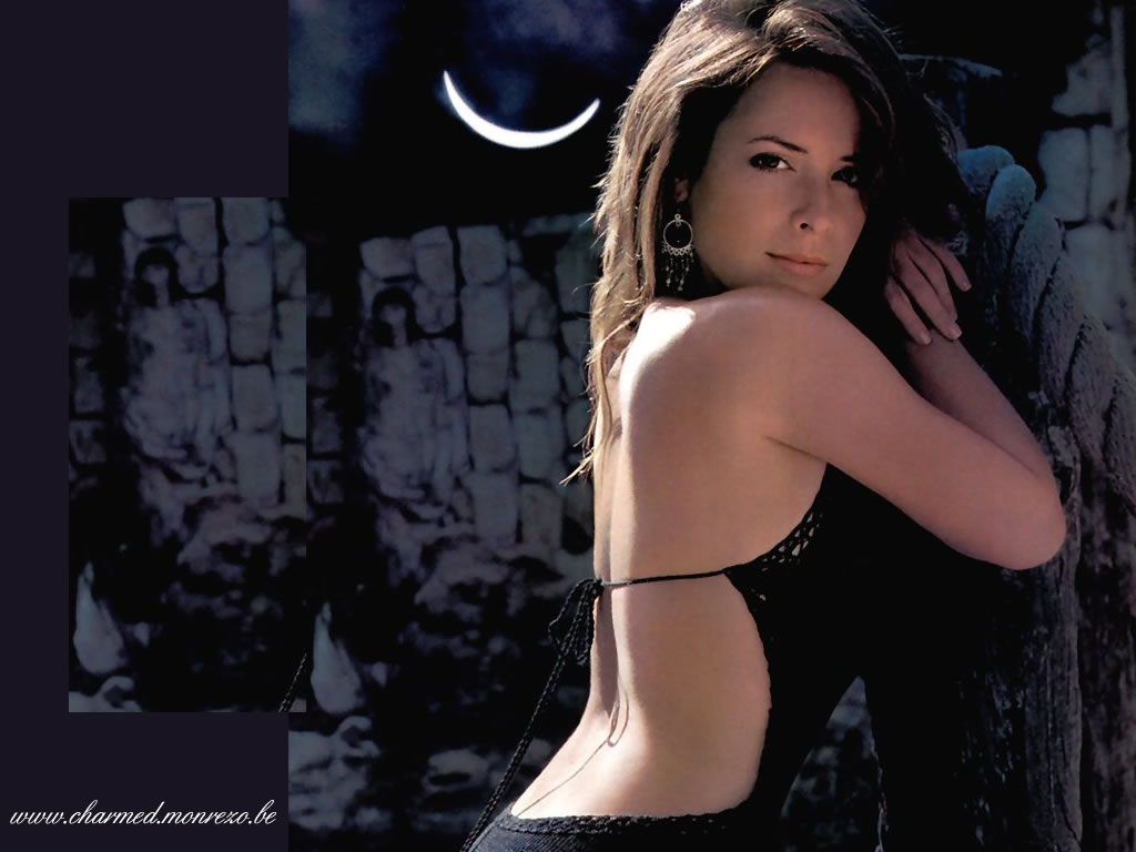 Holly Marie Combs en robe dos nu