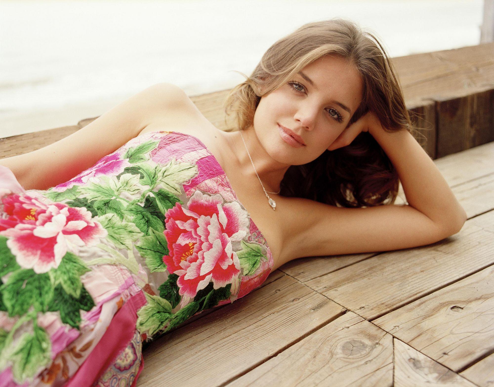 Katie Holmes en robe