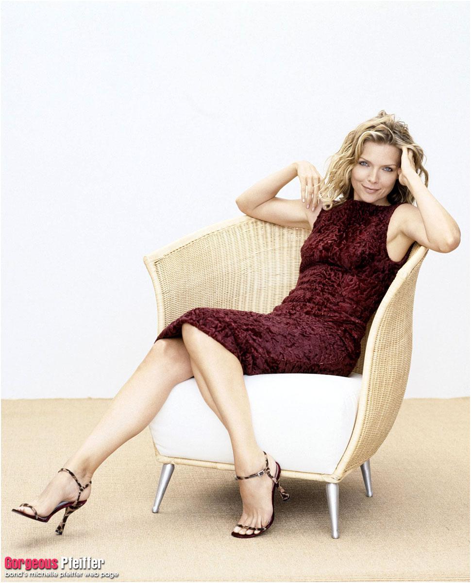 Michelle Pfeiffer en robe moulante