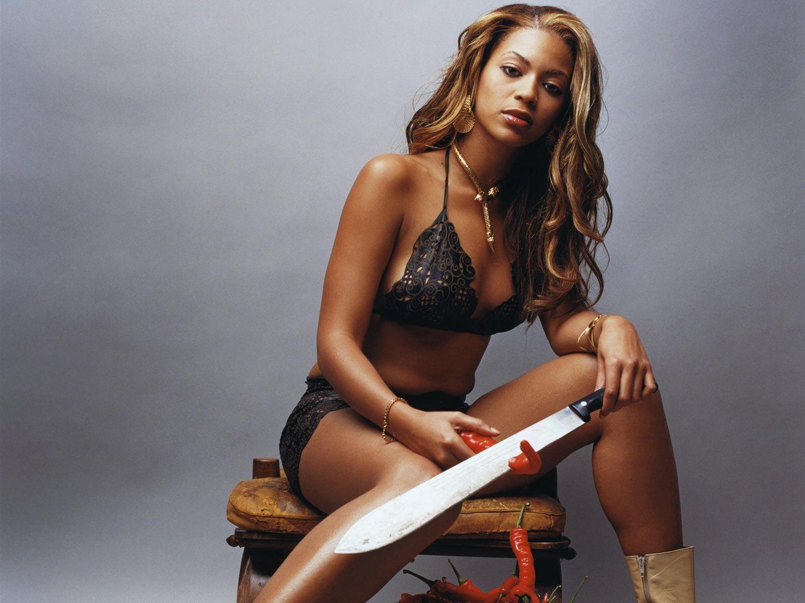 Beyoncé Knowless en bikini