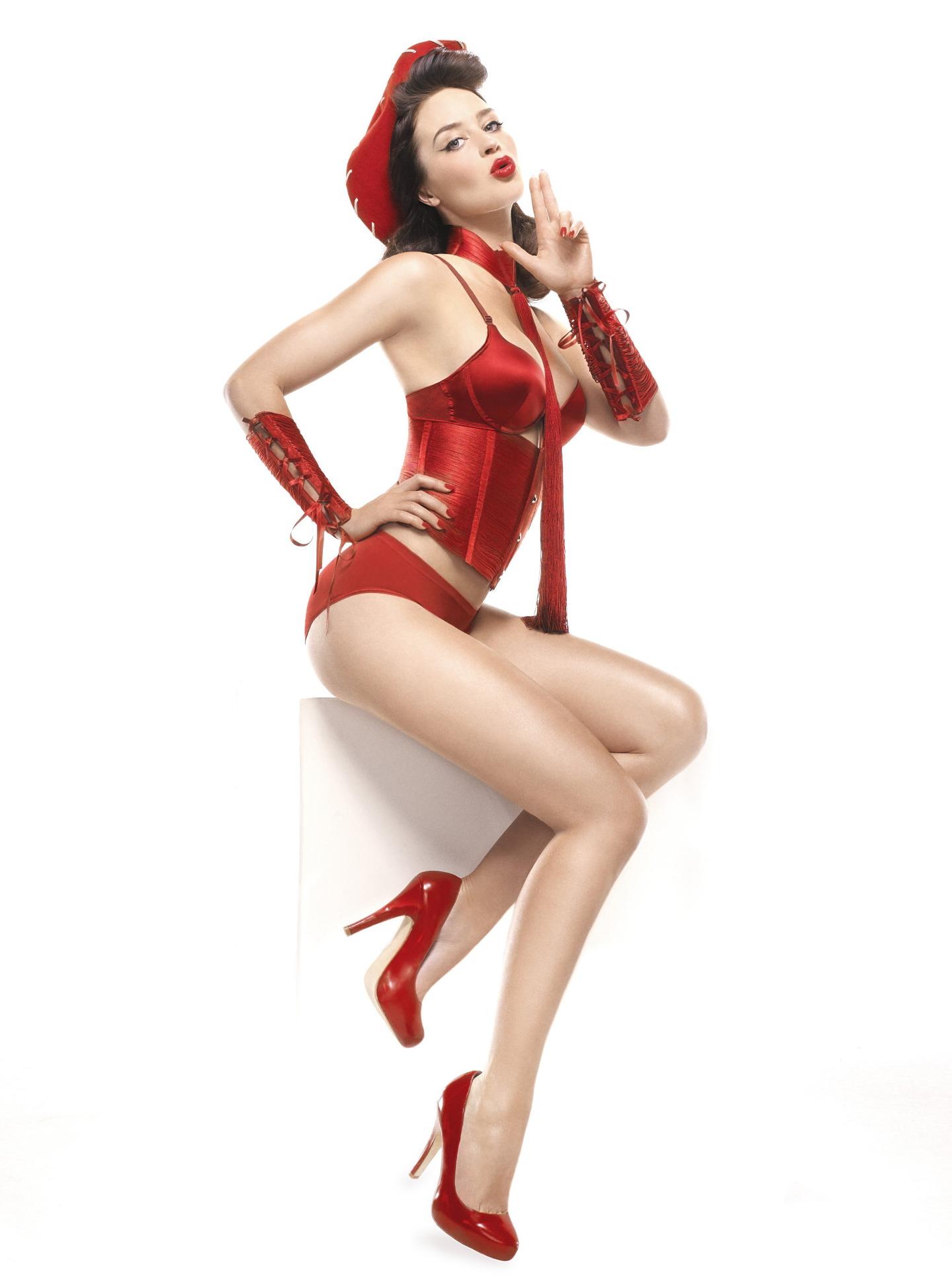Emily Blunt en culotte et corset
