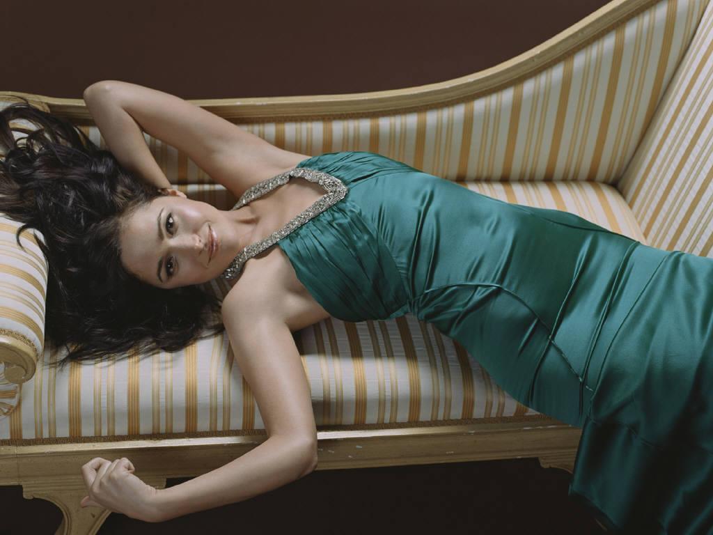 Rose Byrne en robe moulante