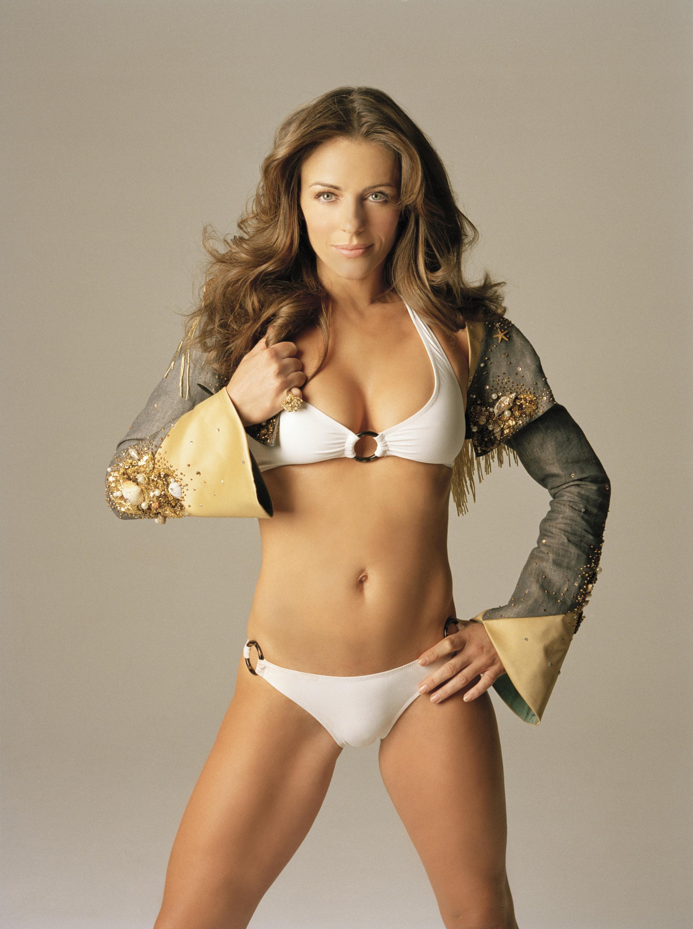 Elizabeth Hurley en bikini