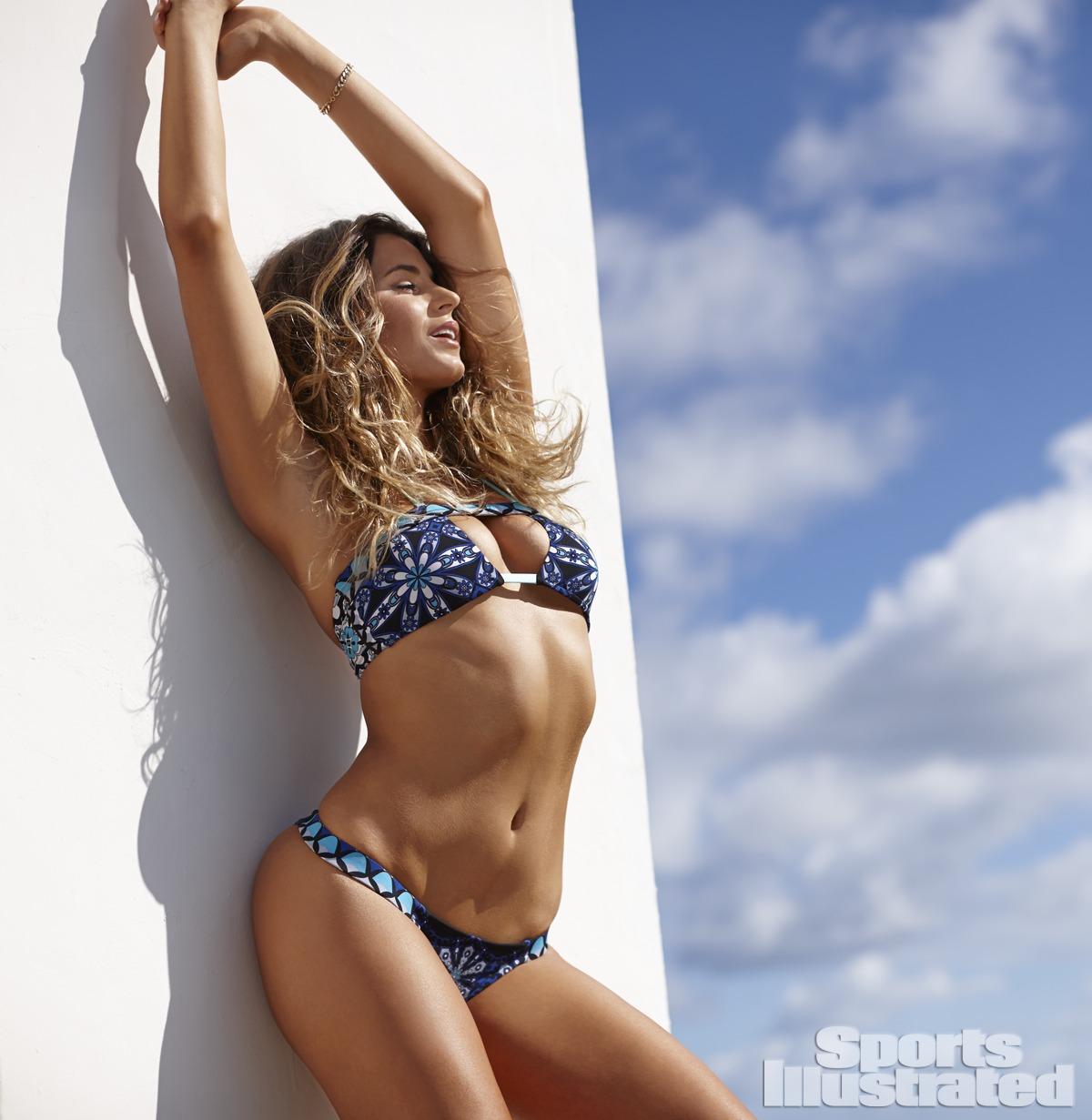 Anastasia Ashley en bikini