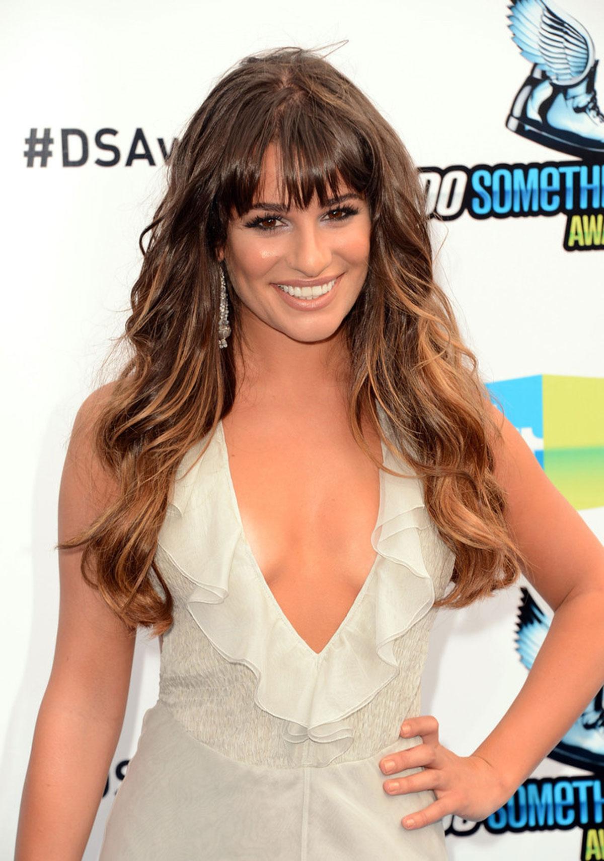 Lea Michele en robe très décolletée