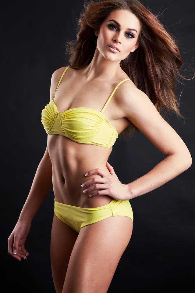 Rolene Strauss en bikini