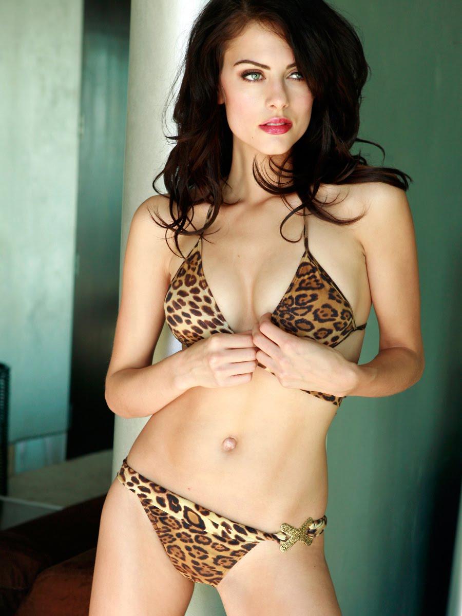Julia Voth en bikini
