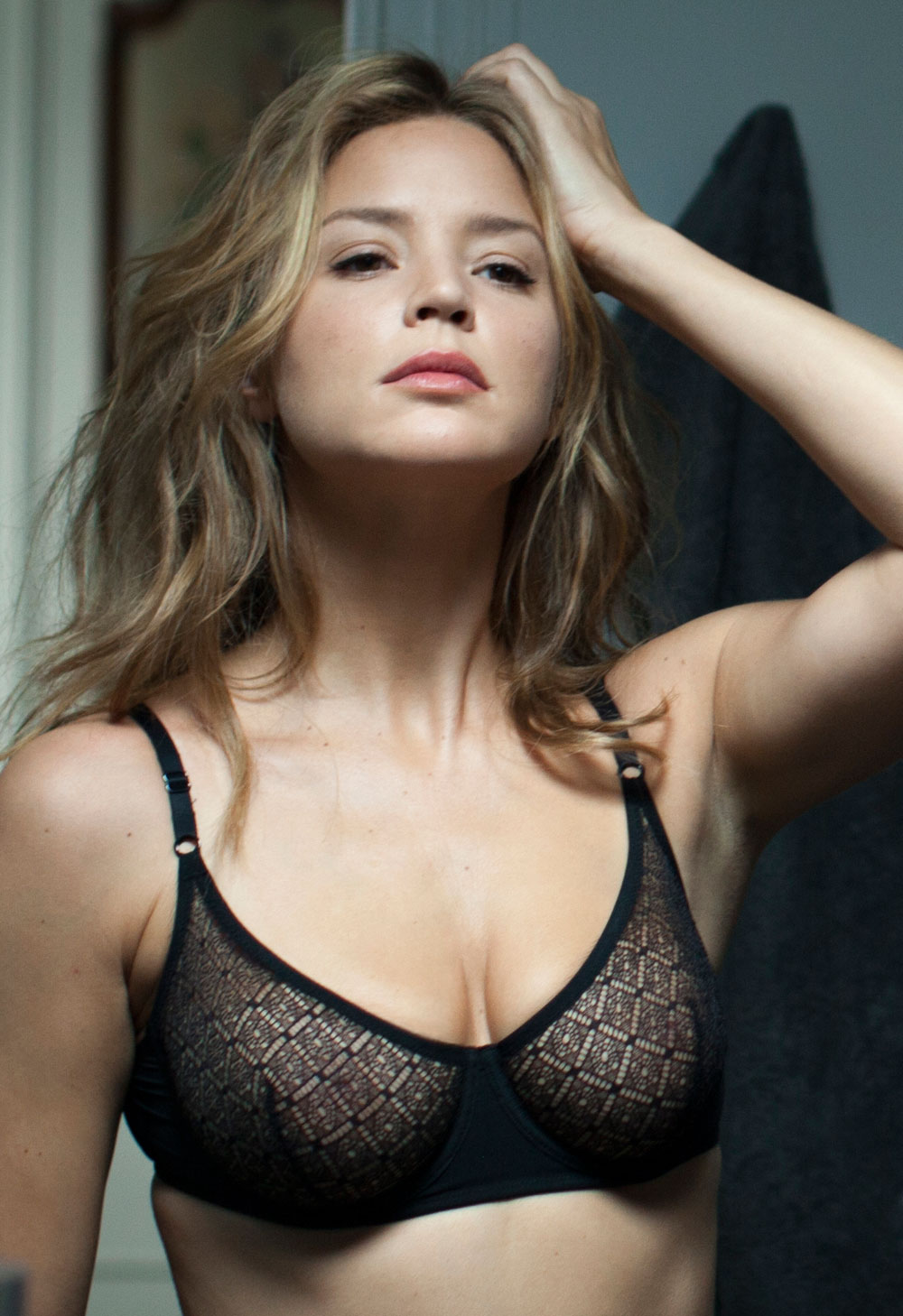 Virginie Efira en lingerie