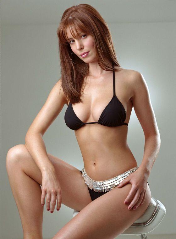 Amy Nuttall en bikini