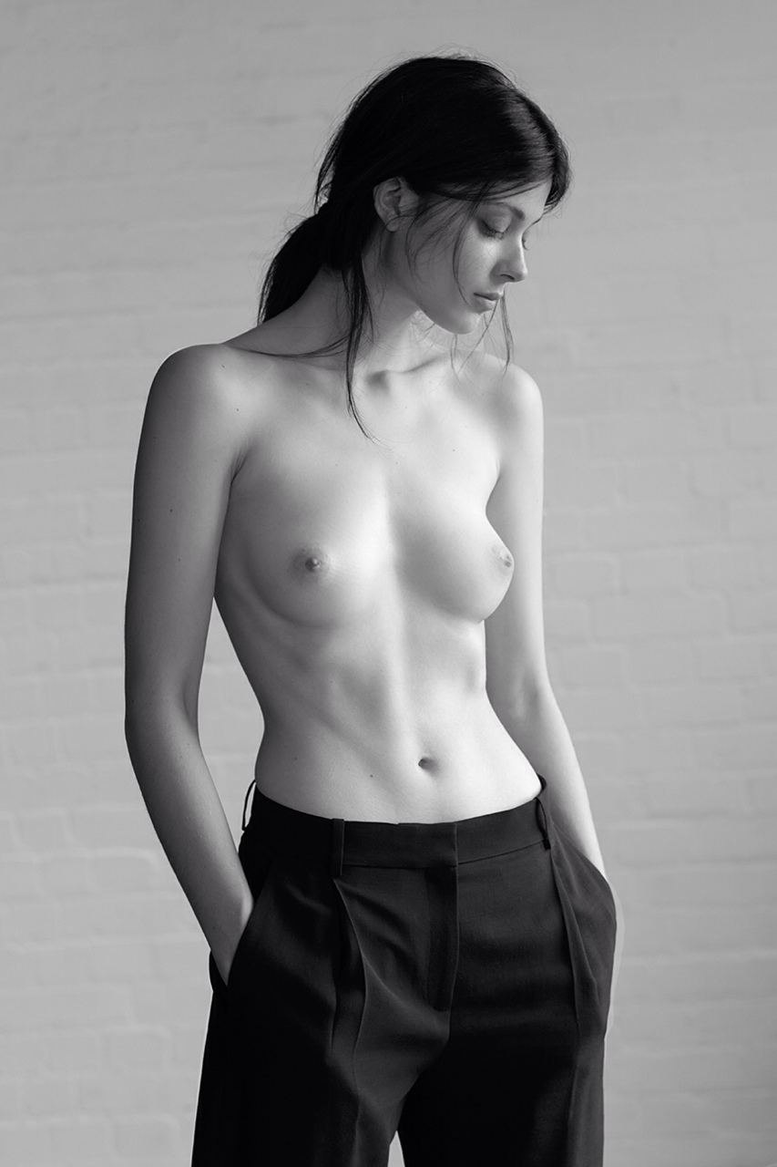 Larissa Hofmann topless