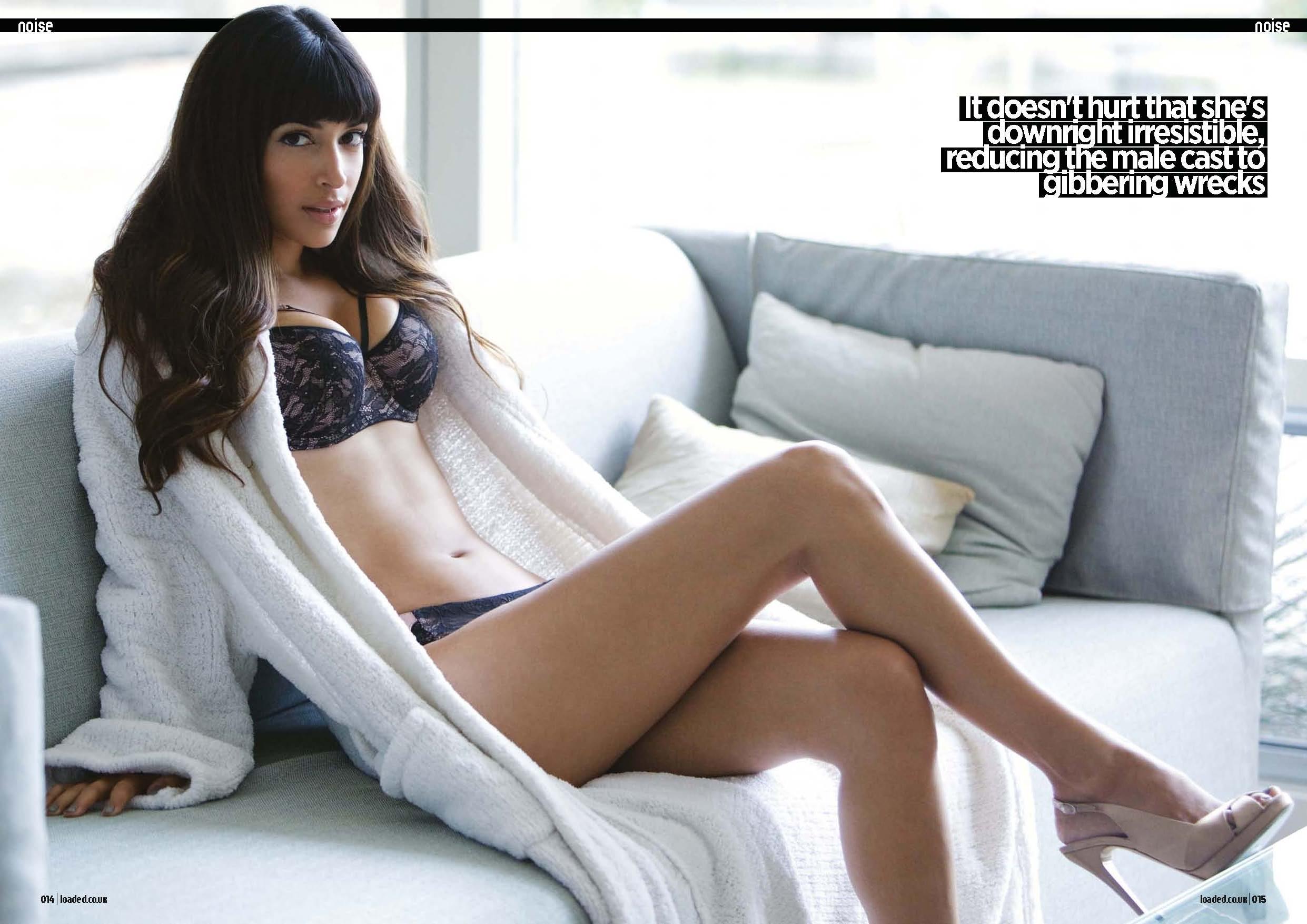 Hannah Simone en lingerie de dentelle