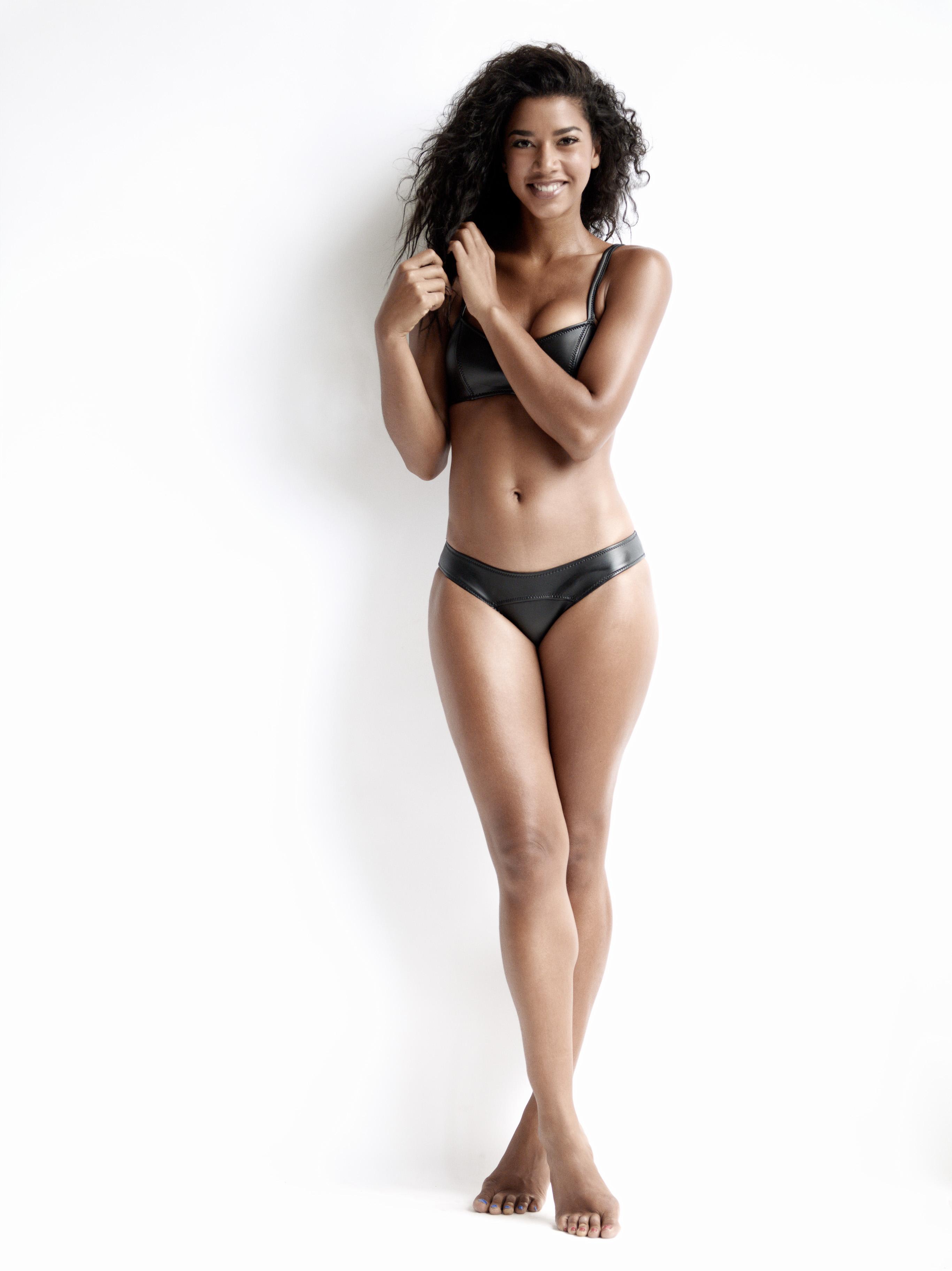 Hannah Bronfman en bikini