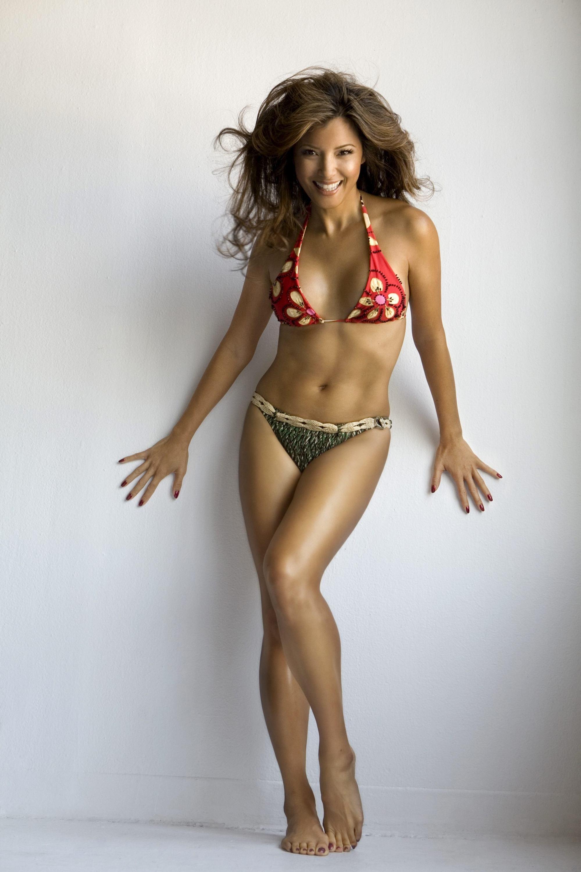 Kelly Hu en bikini