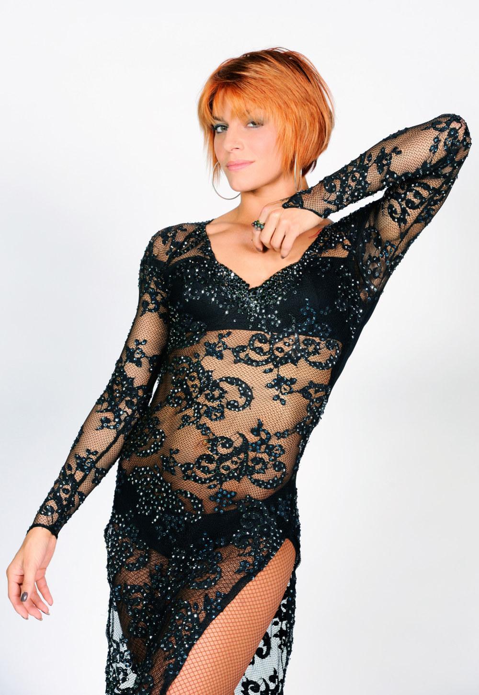 Fauve Hautot en robe transparente