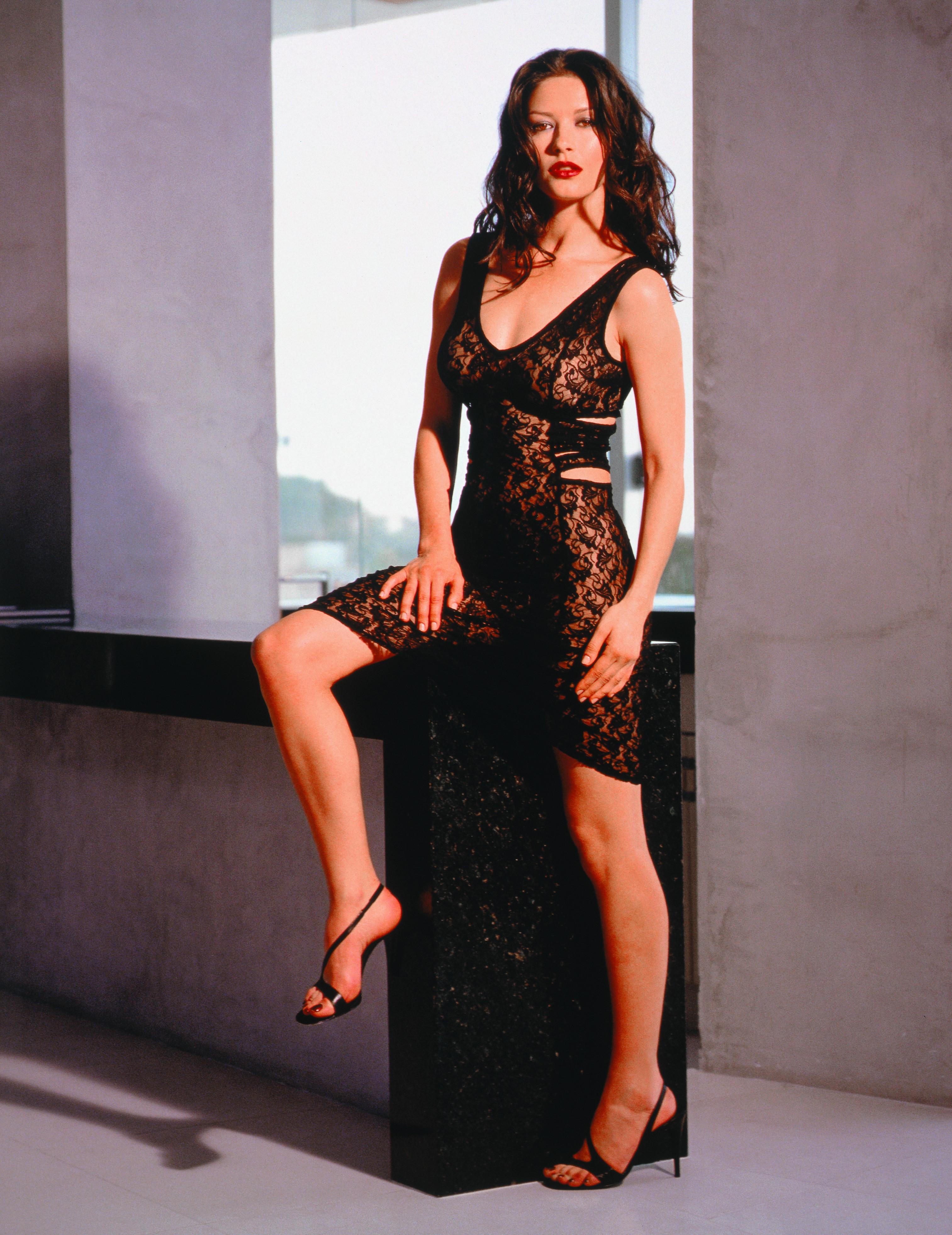 fille en mini short sexy lingerie de pute