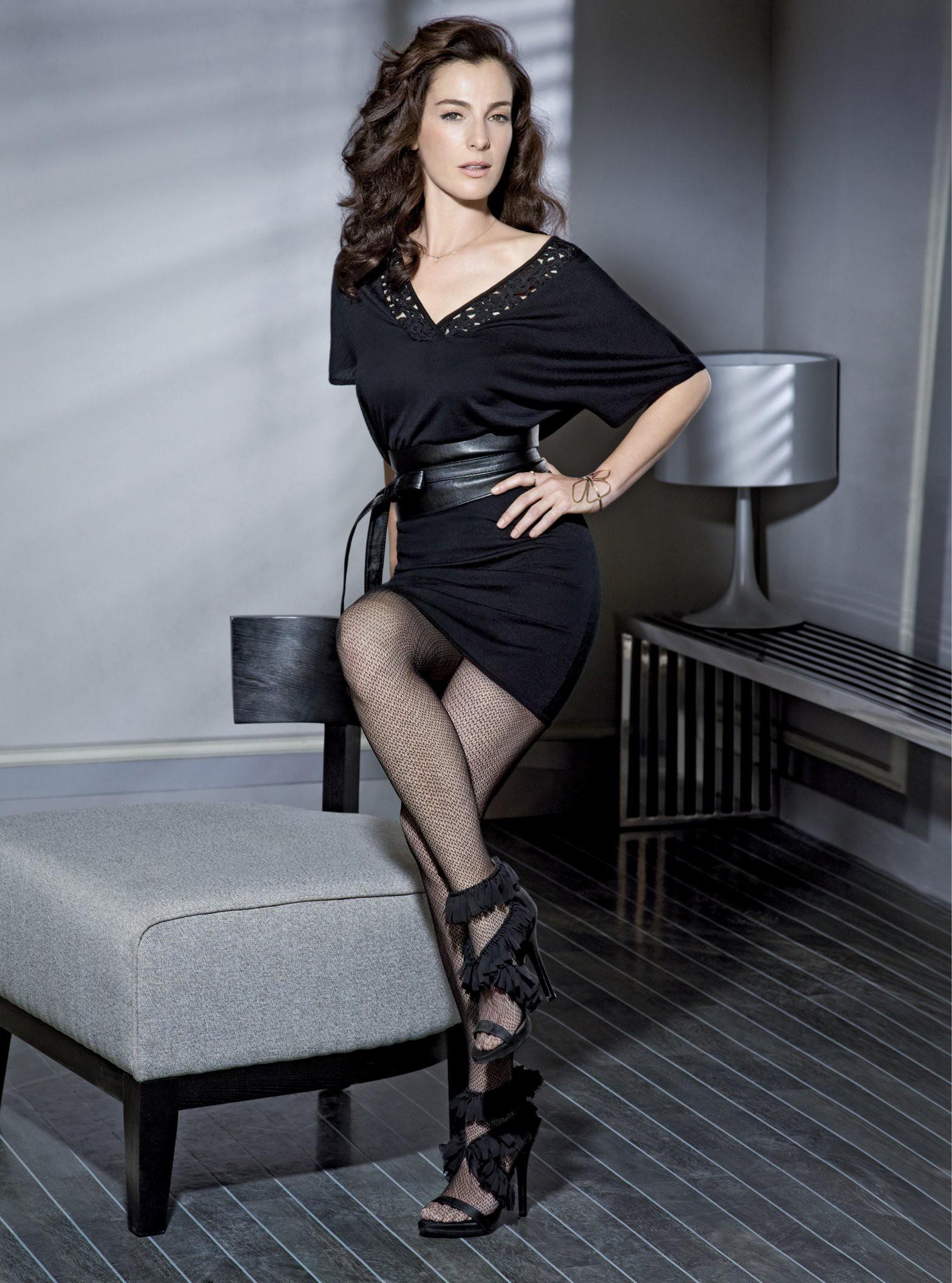 Ayelet Zurer en mini-robe