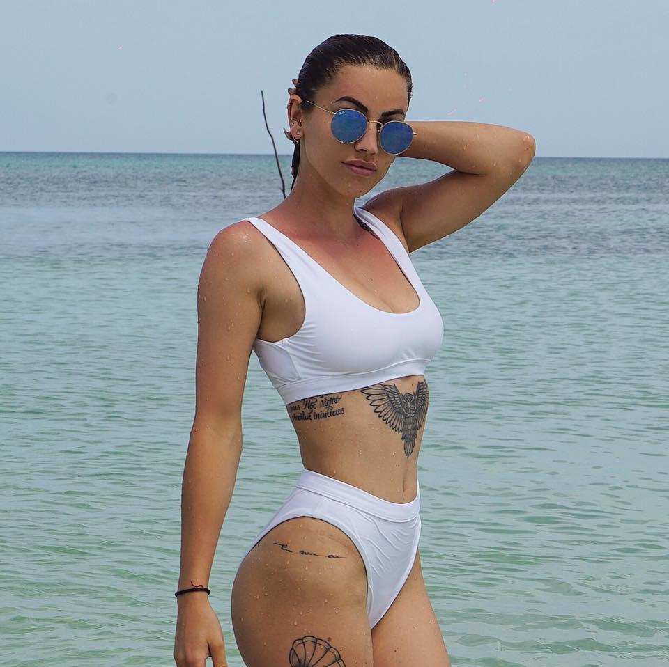 Gaëlle Garcia Diaz en bikini