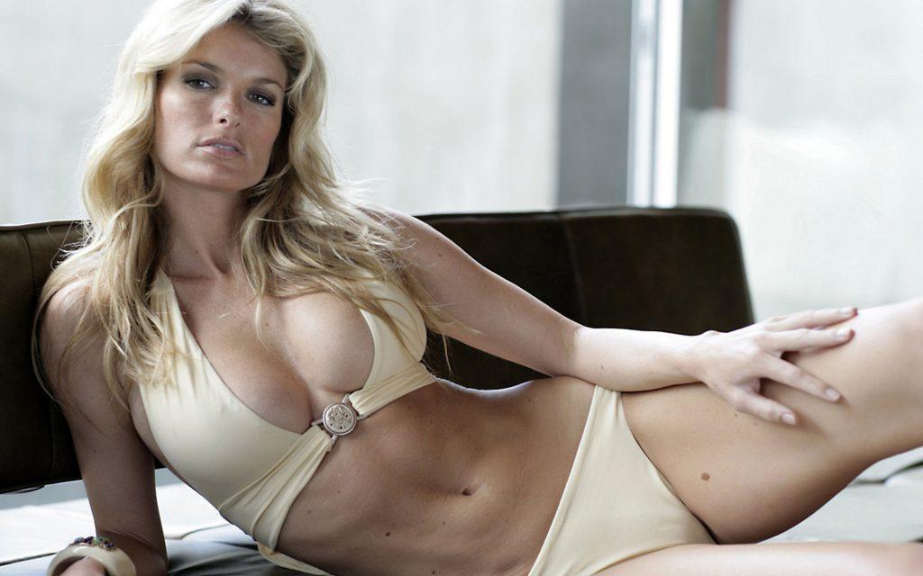 Marissa Miller en bikini