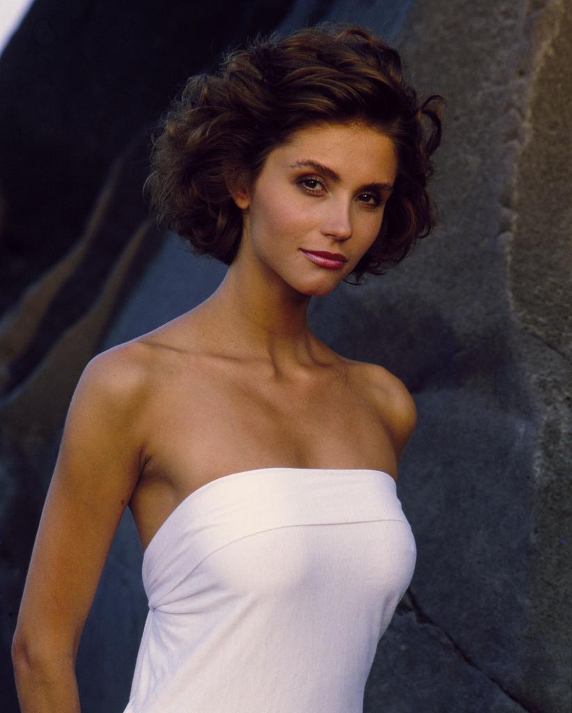 Alessandra Martines en robe