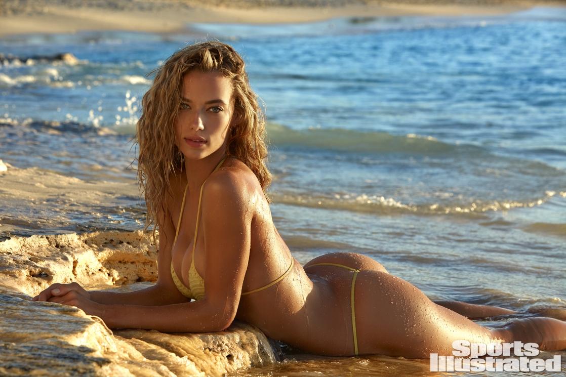 Hannah Ferguson en bikini sur la plage
