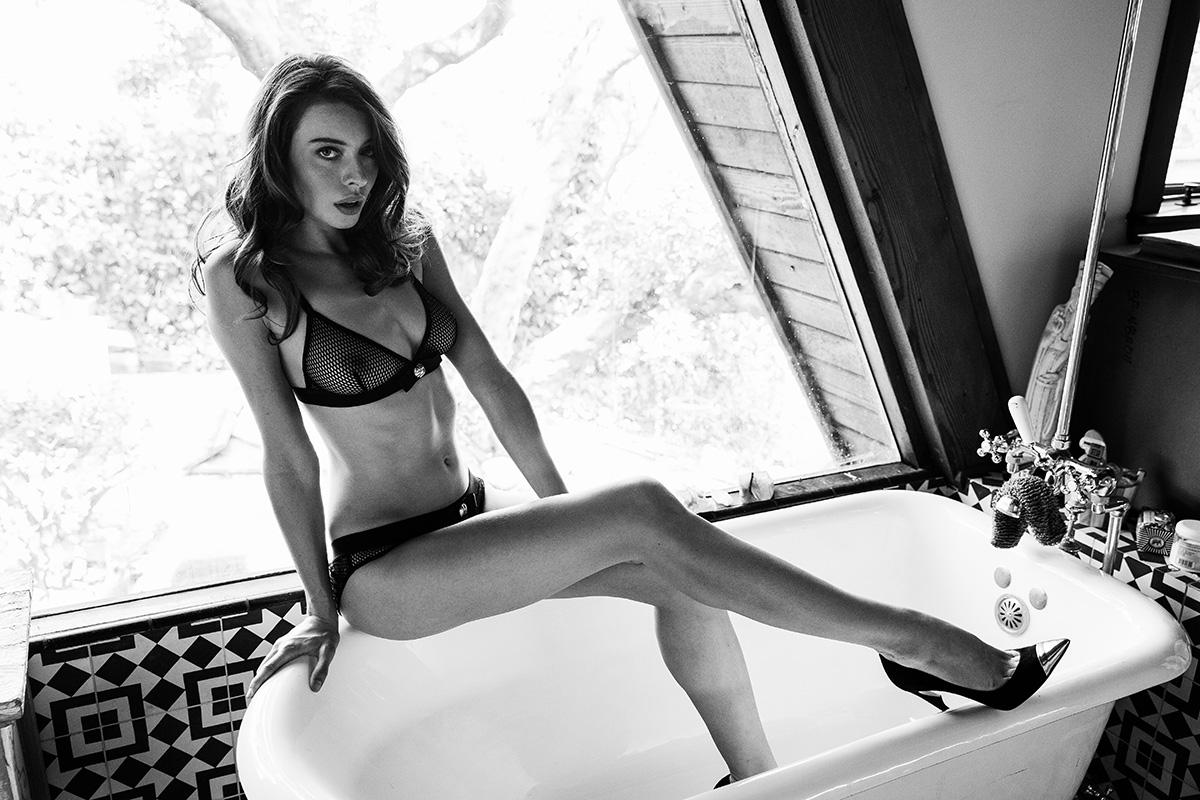 Roxanna Dunlop en lingerie