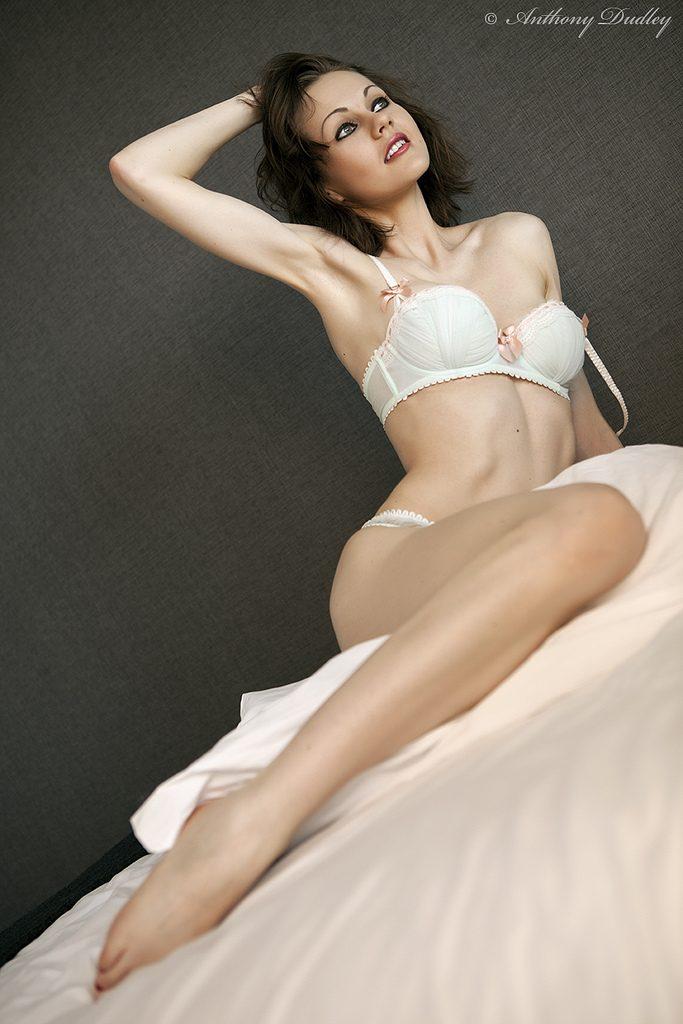 Tina Kay en lingerie
