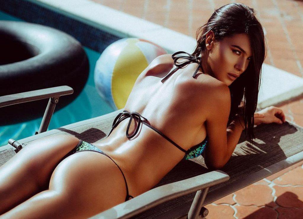 Silvia Caruso en bikini