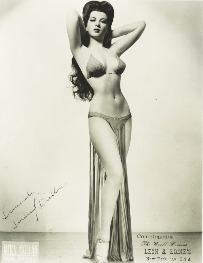 Sherry Britton en bikini