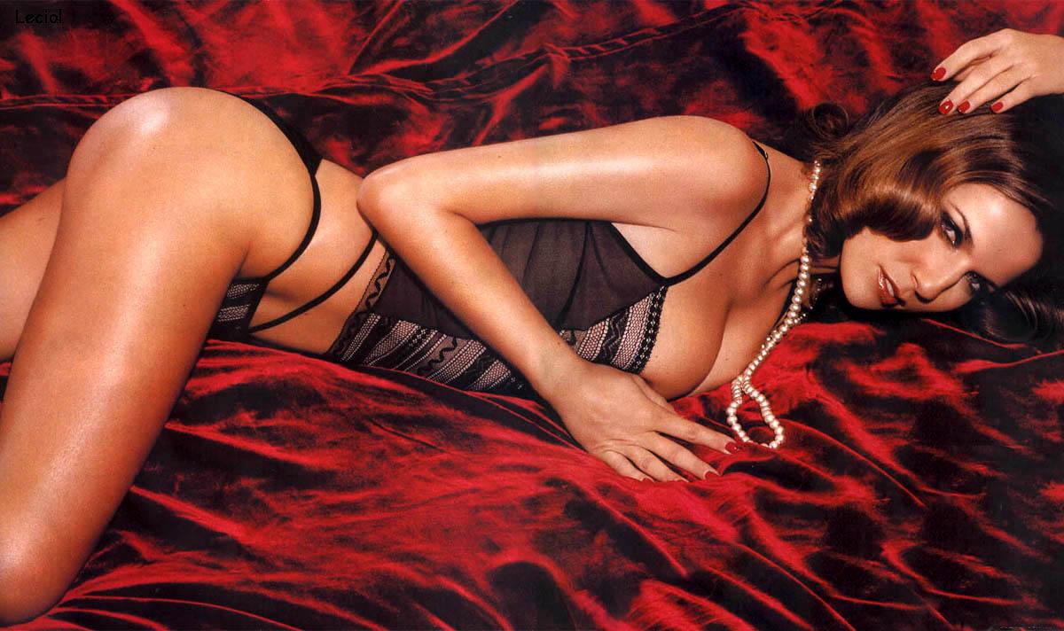 Natacha Amal en lingerie