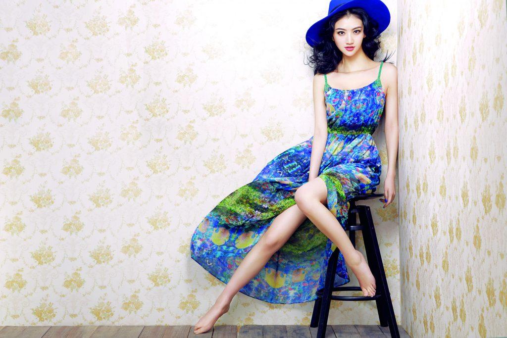 Jing Tian en robe