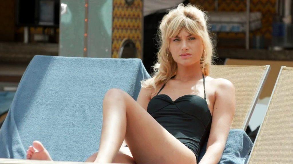 Mathilde Bisson en maillot de bain