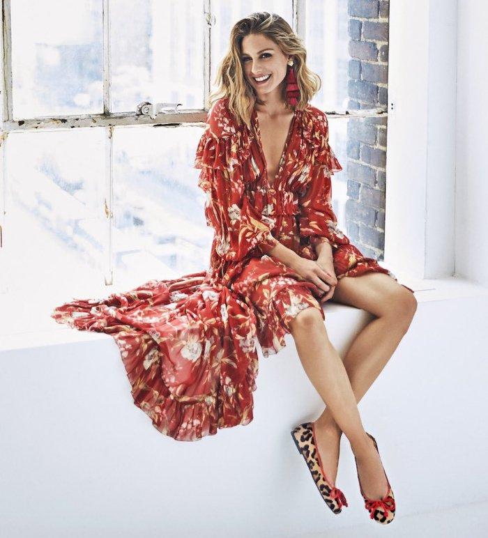 Olivia Palermo en robe très décolletée
