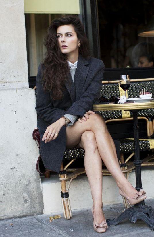 Julia Faure en tailleur