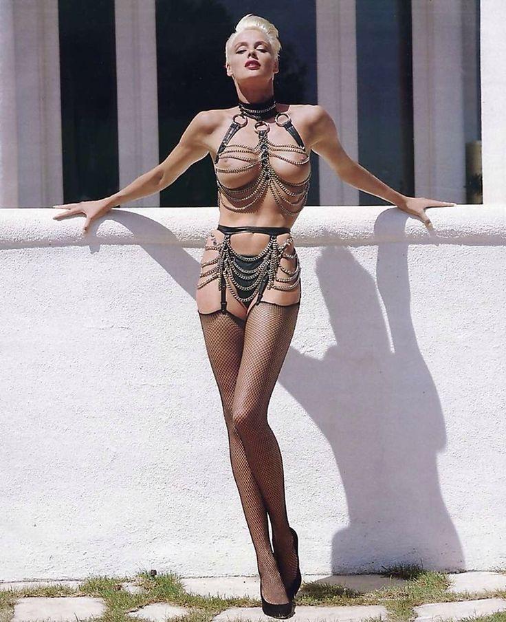 Brigitte Nielsen topless