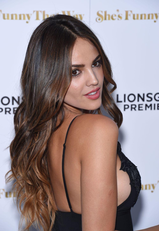 Eiza González en robe