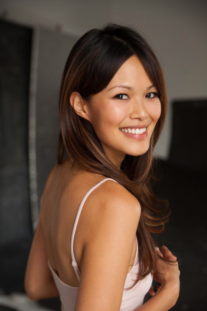 Elaine Tan en débardeur