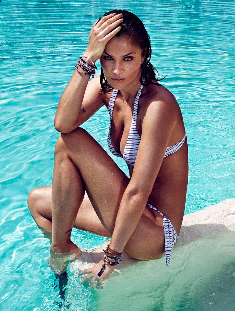 Helena Christensen en bikini