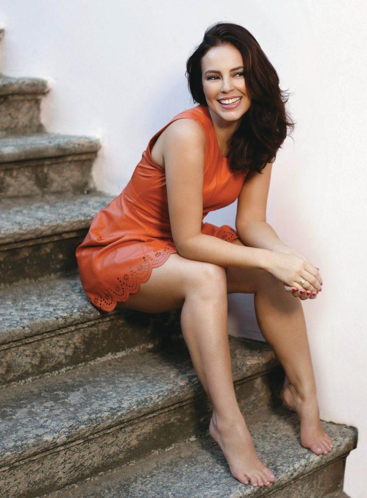 Paolla Oliveira en mini-robe