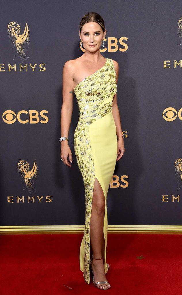 Jennifer Nettles en robe fendue