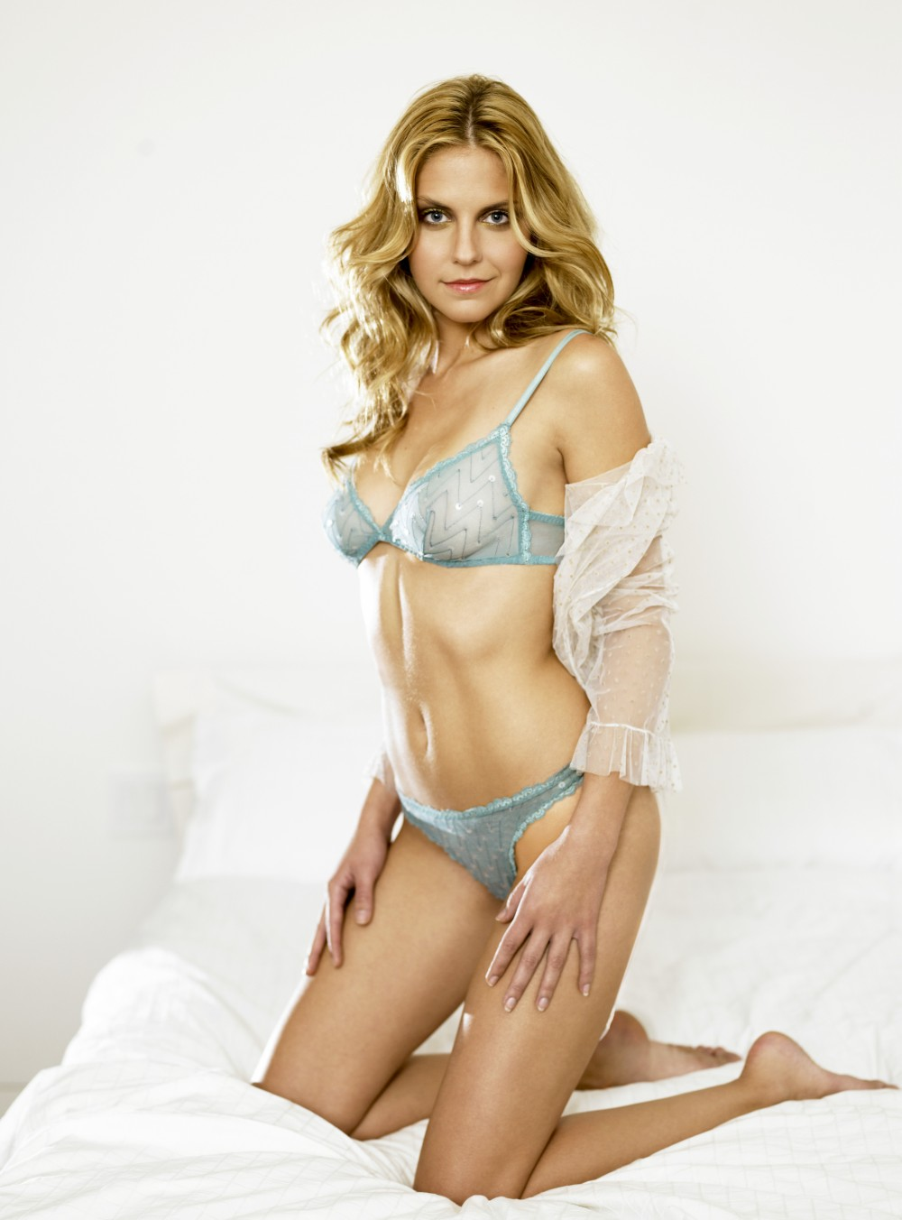 Nikki Griffin en lingerie
