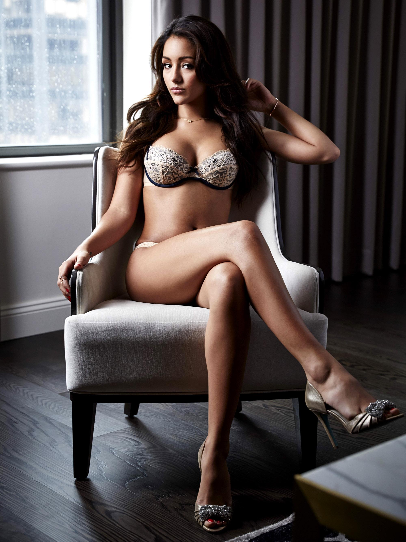 Melanie Iglesias en lingerie de dentelle