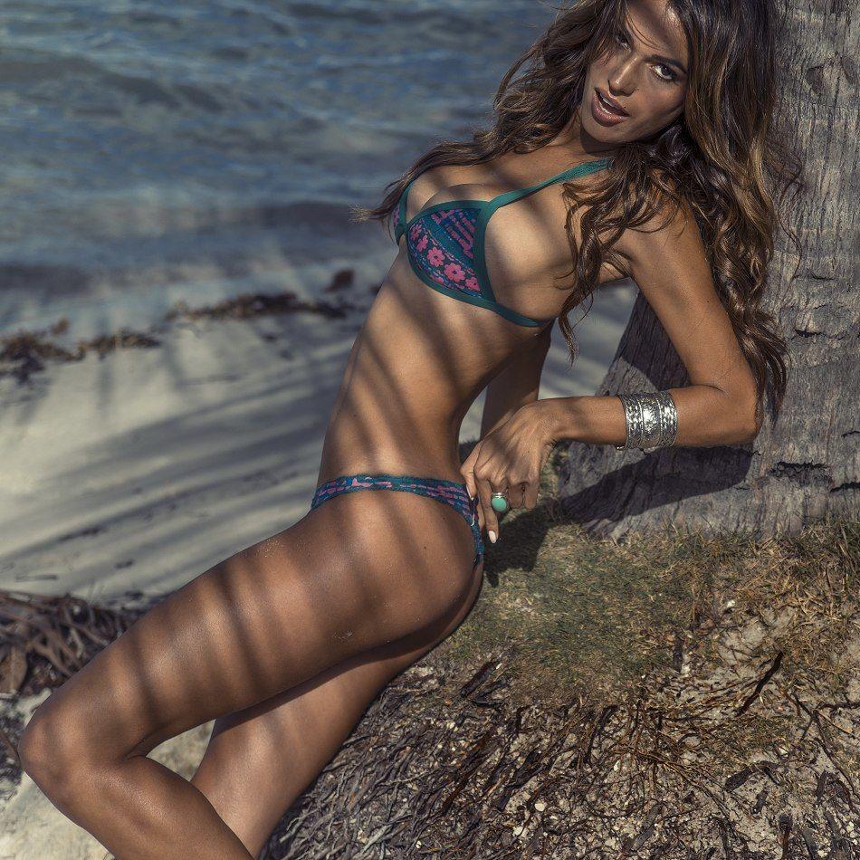 Rayla Jacundá en bikini
